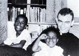 Jonathan Daniels & kids